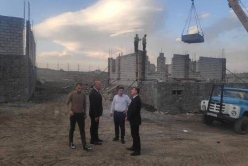 Minister of infrastructures visits Shurnukh to inspect ongoing construction of homes